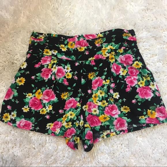 PacSun Pants - Floral Shorts🌷